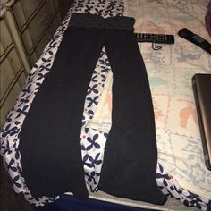 Aerie yoga pants These are in perfect condition. Make reasonable offers. aerie Pants