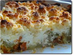 Courgette, chorizo and goat's cheese crumble Chorizo, No Salt Recipes, Sweet Recipes, Cooking Time, Cooking Recipes, Cooking Stuff, Zucchini, Good Food, Yummy Food