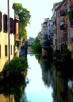 A view down the waterways of Padova, Italy (by Peace Correspondent).