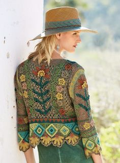 Cool and Stylish Crochet Cardigan Patterns and Idea Images - Page 40 of 55 - Beauty Crochet Patterns! Crochet Coat, Crochet Cardigan Pattern, Crochet Jacket, Knit Patterns, Crochet Clothes, Moda Crochet, Freeform Crochet, Hippie Outfits, Crochet Fashion