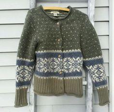 Vintage Eddie Bauer Wool Cardigan M M Sweater Green Snow Flakes_Valentine Gift #EddieBauer #Cardigan