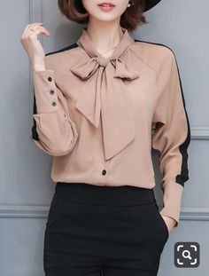 Tie Collar Bowknot Color Block Long Sleeve T-Shirt Krawattenkragen Bowknot Color Block Langarm T-Shi Classy Outfits, Vintage Outfits, Cute Outfits, Casual Tops For Women, Blouses For Women, Hijab Fashion, Fashion Outfits, Shirt Makeover, Blouse Designs