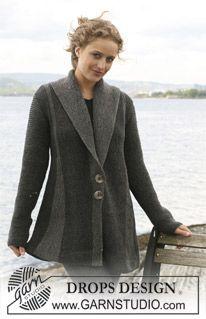 "DROPS jacket with pleats worked from side to side in garter st in ""Karisma "". Size S - XXXL. Yarn alternative ""Merino Extrafine"". ~ DROPS Design"
