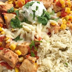 Tex-Mex chicken is made in the slow cooker with only 5 easy ingredients! Set it and forget it dinner. Serve as rice bowls, inside burritos, or nachos. Slow Cooker Recipes, Soup Recipes, Chicken Recipes, Cooking Recipes, Yummy Recipes, Tex Mex Chicken, Chicken Taco Soup, Baked Orange Chicken, Chicken Rice Bowls