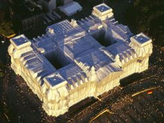 AERIAL VIEW OF WRAPPED REICHSTAG, BERLIN, 1971-95. PHOTO: WOLFGANGVOLZ. ©CHRISTO, 1995.