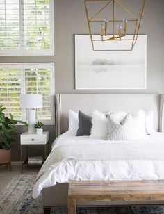 The small master bedroom should not limit you to make a relaxing, gorgeous, and stylish bedroom just like larger beds. What you need to do is to use a little trick so you can create a lovely bedroom by using… Continue Reading → Romantic Master Bedroom, Small Master Bedroom, Farmhouse Master Bedroom, Stylish Bedroom, Master Bedroom Design, Home Decor Bedroom, Modern Bedroom, Bedroom Ideas, Bedroom Designs