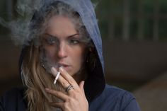 Quit Smoking Tips. Kick Your Smoking Habit With These Helpful Tips. There are a lot of positive things that come out of the decision to quit smoking. You can consider these benefits to serve as their own personal motivation Quit Smoking Tips, Smoking Effects, Smoking Causes, Smoking Kills, Smoking Weed, Stop Smoke, Bad Habits, Weight Gain, Weight Loss