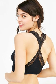 Urban Outfitters – Out From Under Valerie Lace Racerback Bra