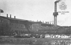 Liepājas Ādu fabrikas strādnieki atzīmē Romanovu dinastijas 300 gadu valdīšanas jubileju - Redzi, dzirdi Latviju! Beer, Sweets, Coffee, Root Beer, Kaffee, Ale, Gummi Candy, Candy, Goodies
