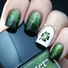 Green is lovely. Nail Art