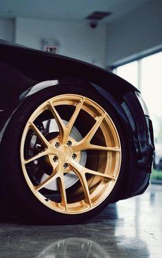 ● La Dolce Vita Wheels ●