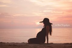 Sunrise Beach Maternity, Pregnancy Photography