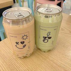Fun Drinks, Yummy Drinks, Yummy Food, Japanese Snacks, Japanese Food, Comida Picnic, Boba Drink, Bubble Milk Tea, Cute Water Bottles