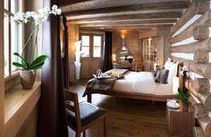 """Le trophée """"Pomme d'Or"""" , remporté par l'hôtel Manali à Courchevel http://journalduluxe.fr/hotel-manali-pomme-d-or/"""