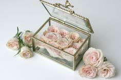 Wedding ring box FLORIMI - pink roses & gold