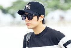SS501's Kyu Jong at the Incheon Airport - Departure to Mexico [More Image] >> http://kpopselfie.blogspot.com/2015/10/ss501s-kyu-jong-at-incheon-airport.html