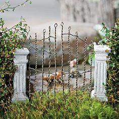 03560-w.300pxc-025_PRw_[40150]_gate_wire_cement_post_halloween_miniature