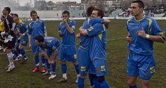 Hoy juega #Kosovo y así es el fútbol cuando se convierte en reivindicación social... : http://www.elenganche.es/2014/05/kosovo-un-nuevo-paraje-en-el-mapa-futbol.html