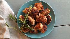 Hjemmelagde medisterkaker Cauliflower, Stuffed Peppers, Meat, Chicken, Vegetables, Ethnic Recipes, Food, Cauliflowers, Stuffed Pepper