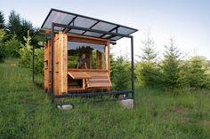 Modern Tiny House: The Watershed House, Oregon, USA   http://www.designrulz.com/design/2014/08/modern-tiny-house-watershed-house-oregon-usa/