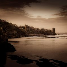 The dramatic ruins of St Andrews Castle