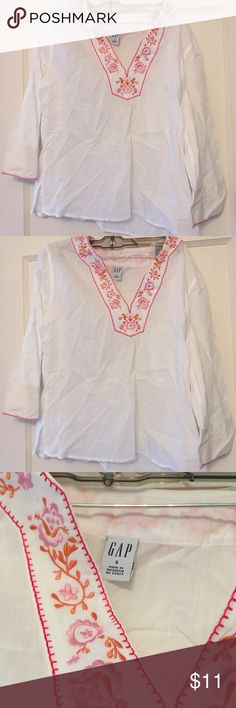 GAP embroidered tunic size S Vintage! Only worn a few times, in excellent condition GAP Tops Tunics