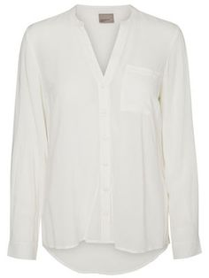 Basic white shirt from VERO MODA - a musthave.