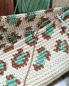 Versatile And Unique Free Crochet Patterns - Hairstyle Crotchet Bags, Knitted Bags, Tapestry Crochet Patterns, Crochet Stitches, Knitting Patterns, Crochet Handbags, Crochet Purses, Crochet Home, Knit Crochet