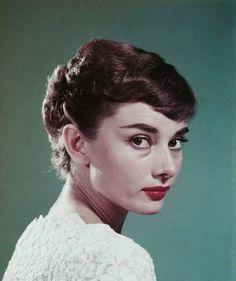 retrogirly: Audrey Hepburn