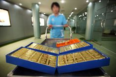 Govt cuts import tariff value of gold, silver to $404 per ten grams and $635 per kg, respectively