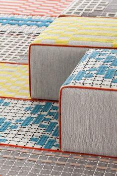 La alfombra que se viste de espacios