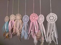 Dromenvanger Crochet Owls, Crochet Stars, Cute Crochet, Crochet Crafts, Yarn Crafts, Crochet Projects, Making Dream Catchers, Doily Dream Catchers, Wind Chimes
