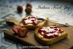 My favorite breakfast - Homemade strawberry jam on golden brown toast with a touch of fresh butter. Homemade Strawberry Jam, Strawberry Jam Recipe, Homemade Jelly, Strawberry Jelly, Polenta Frita, Refrigerator Jam, Jam On, How To Make Jam, Snacks