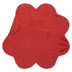 Cette couverture en forme de nuage est facilement ajustable et procure une incroyable sensation de douceur grâce à sa texture, elle accompagnera votre bébé partout. Une ouverture pour la ceinture la rend parfaitement adaptable sur une poussette ou un siège-auto.