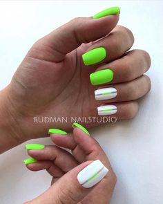 Want some ideas for wedding nail polish designs? This article is a collection of our favorite nail polish designs for your special day. Neon Green Nails, Neon Nails, Pink Nails, My Nails, Love Nails, Summer Acrylic Nails, Cute Acrylic Nails, Summer Nails, Green Nail Designs