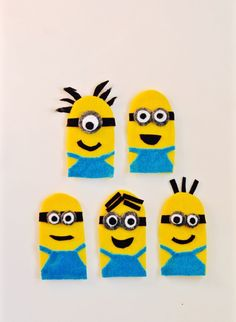 Get inspired with this creative & fun minions party! You'll love the minions sucker recipe, DIY minions paper lanterns, minions finger puppet craft & more! Happy Minions, Happy Birthday Minions, Paper Lantern Making, Paper Lanterns, Disney Felt Ornaments, Homemade Face Paints, Felt Finger Puppets, Puppet Crafts, Minion Party