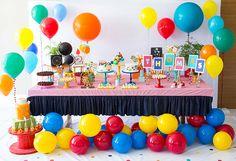 Festinha com tema bolas coloridas