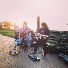 Natascha Bell & #Band machen #Strassenmusik am #SteinhuderMeer vor ihrem Auftriit im #Filou heute Abend #igmusic #instamusic #musik #Livemusik #steinhude #pinterest #pic