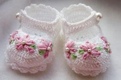 "Free Easy Baby Crochet Patterns | 13 thoughts on "" Crochet Baby Booties Patterns And Designs """