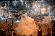 Combat zone Kiev: Riot police move to force protesters off streets (PHOTOS)