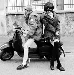 vespa mod and girl Vespa Girl, Scooter Girl, Lambretta Scooter, Vespa Scooters, Pop Art, Tailor Made Suits, Youth Culture, Pop Culture, Best Scooter