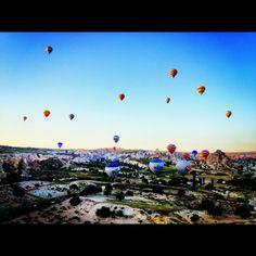 hot air baloons in capadocia, turkey
