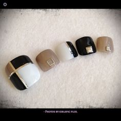 This but with the sparkly light pink (Revlon) and the pale orange(Brucci) and rectangular studs Pedicure Nail Art, Pedicure Designs, Toe Nail Art, Nail Art Diy, Nail Manicure, Diy Nails, Black Nail Designs, Toe Nail Designs, Nails Design