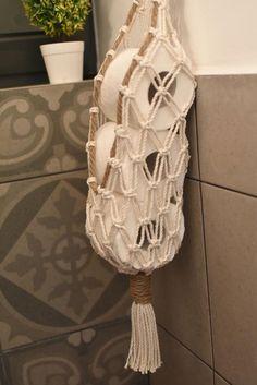 Diy Toilet Paper Holder, Toilet Paper Storage, Diy Storage, Storage Baskets, Simple Home Decoration, Macrame Design, Macrame Patterns, Furniture For Small Spaces, Diy Paper