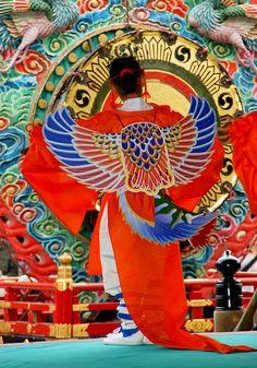 舞楽「伽陵頻(Karyoubin)Japan by nobuflickr