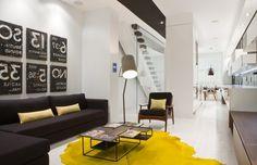 Желтый ковер   #гостиная #желтый