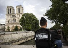 Attaque à Notre-Dame : le policier blessé est sorti de l'hôpital