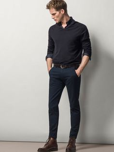 Discover the latest men's trousers for Spring/Summer Striped, checked, plain, cotton or linen trousers for men at Massimo Dutti to reinvent your wardrobe. Men's Fashion, Daily Fashion, Fashion Outfits, Smart Casual, Men Casual, Outfit Jeans, Black Chinos, Herren Outfit, Mode Chic