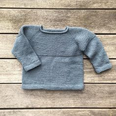 Bobbysweater – Knitting for Olive Baby Boy Knitting Patterns, Knitting For Kids, Knit Patterns, Knitting Ideas, Cool Sweaters, Baby Sweaters, Facon, Pulls, Baby Barn
