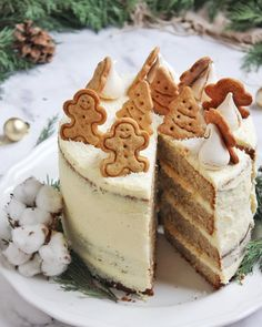 Gingerbread torta - uskusna i dekorativna blagdanska slastica Christmas Dishes, Christmas Sweets, Hungarian Cake, Gingerbread Cake, No Bake Cake, My Favorite Food, Sweet Recipes, Holiday Recipes, Cake Decorating
